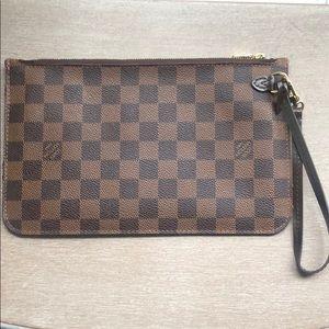 Louis Vuitton Neverfull MM Ebene Pochette Pouch